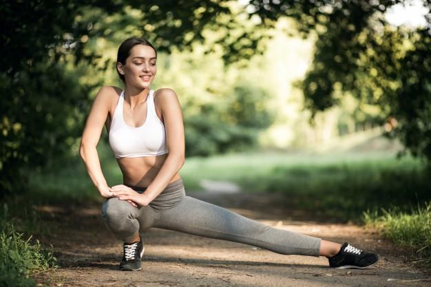deporte-estilo-de-vida-hermosos-deportes-auriculares-placer_1303-3385